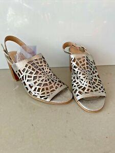 Django & Juliette Women's Block Heels Leather Silver Size 40 Excellent Condition