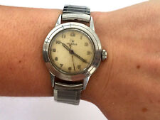 VINTAGE HELBROS 200 CLASSY GENTS SILVER COLOR WATCH RUNS