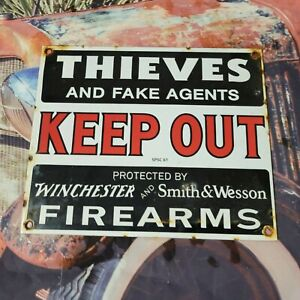 VINTAGE OLD DATED 1961 SMITH AND WESSON PORCELAIN GUN SIGN! AMMUNITION AMMO
