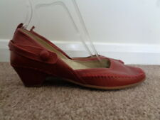CLARKS ACTIVE AIR RED 100% LEATHER SHOES SIZE 4