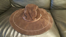 100% authentic Coach Wide Brim Hat Brown / Pink Size M/L (USED)