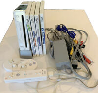 Nintendo RVL-101 Wii Console - White  Tested 4 Games 2 Controllers  Sensor Bar