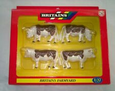 Britains Farmyard 40964 4 x Hereford Cattle Figures  1:32 Scale Boxed