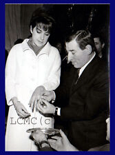 FOTOGRAFIA PRESS PHOTO 1966 RENATO RASCEL SPOSA HUGUETTE CARTIER
