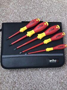 WIHA 5 Pcs Electrician set 33969 VDE Slot/Phillips Screwdrivers  Bag
