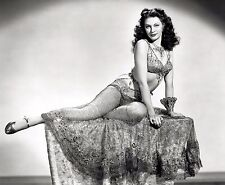 Yvonne De Carlo Unsigned 8x10 Photo (7)
