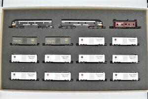 Con-Cor Southern Pacific Overnight Express Set E-8As 12 Express Boxcars Caboose
