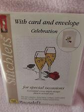 Mouseloft stitchlets CROSS STITCH KIT ~ celebrazione ~ CARD & BUSTA ~ NUOVO