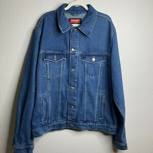 Vintage 1970s Wrangler denim jacket M  retro 60s 70s jean shirt jacket snap buttons 4 pockets utility western jacket cinched waist