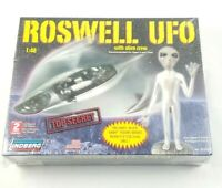 Lindberg Roswell Ufo Space Ship With Alien Crew - Plastic Model Kit