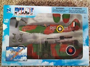 NEWRAY PILOT MODEL KITS 1:48  WW II FIGHTER PLANES SPIT-FIRE 20217