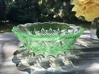 Antik Art Déco Schale Pressglas Glasschale grün Uranglas