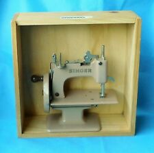 stunning metal beige SINGER CHILDS TOY SEWING MACHINE  + timber box
