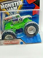 SILVER & GREEN GRAVE DIGGER #29 Monster Jam Hot Wheels Rare 2016 W STUNT RAMP