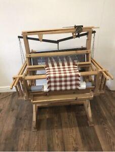 Floor Standing Weaving Loom