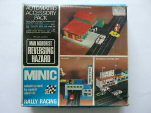 BOXED MINIC RALLY RACING AUTOMATED ACCESSORY PACK 'MAD MOTORIST REVERSING HAZARD