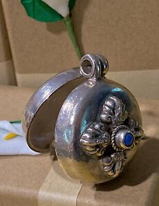 ANTIQUE ART NOUVEAU REPOUSSE MOTIFS Sterling Silver Lapis Locket Stash Pendant
