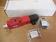 Telemecanique Interlock Switch XCSL766B3DCZ1 24/28 Volt 250V 3 Amp New