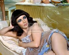 "ELIZABETH TAYLOR IN THE 1963 FILM ""CLEOPATRA"" - 8X10 PUBLICITY PHOTO (DD335)"