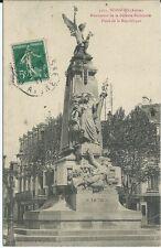 CPA 02 - SOISSONS - Monument de la défense Nationale Place de la République