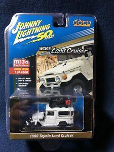 Johnny Lightning Toyota Land Cruiser 1980  JLCP7209 1/64 White