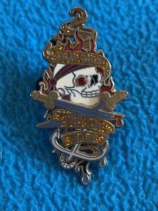 "Disney Pirates of the Caribbean Pin 2006 ""dead men tell no tale"" trading pin J1"