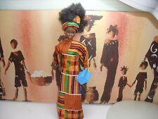 Muñeca Barbie étnico negro vestido tradicional de África Occidental,, Afro Cabello, articulado