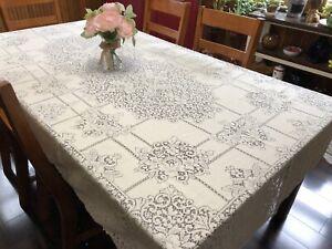 "Vintage Ivory QUAKER LACE Floral Oblong 70x108"" Tablecloth (RF947)"