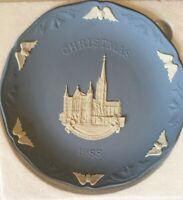 Wedgwood Blue Jasperware Collectible Christmas Plate 1988 Salisbury Castle