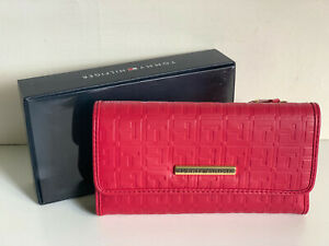 NEW W/ BOX TOMMY HILFIGER RED CONTINENTAL CHECKBOOK CLUTCH WALLET SALE
