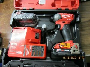 Impulse compatta 18 Volt 1//4 Gen 3 Fuel valigetta Heavyduty-Senza batteria Black-Red M18FID2-0 Impact Driver Milwaukee Avv
