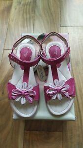 Primigi quality leather sandals NEW size 13 UK (32 EU)