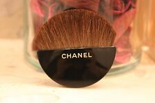 CHANEL LES BEIGES Sculpted Half-Moon Brush NEW IN PACKAGE authentic