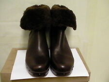 Women's UGG Australia Amoret Boots 1003856 Brown Leather size 9