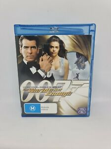 THE WORLD IS NOT ENOUGH (007) Blu-ray Region B VGC Free Tracked Shipping