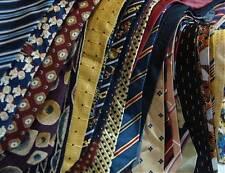 Sammlung  von 200 Krawatten Art & Fashion aus den letzten 70Jahren