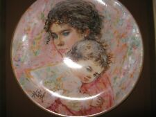 Edna Hibel plate Marilyn and Child Royal Doulton 1976