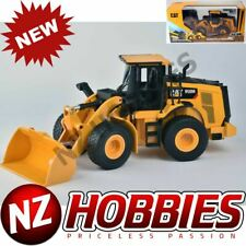 Diecast Masters Cat 1/24 Scale RC 950m Wheel Loader 25003