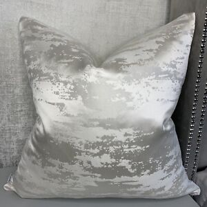 "IVORY Hailes Cushion Cover 16"" Stunning Ashley Wilde Fabric, Luxurious Homes"
