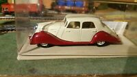 Eligor voiture miniature au 1/43 Panhard Dynamic berline 1937 réf : 1006