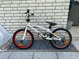 BMX Weiß/Rot von GT Bicycles