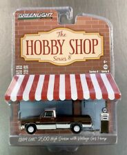 GREENLIGHT 1984 GMC 2500 HIGH SIERRA WITH VINTAGE GAS PUMP THE HOBBY SHOP SERIES
