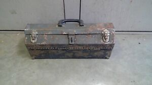 """Vintage Tombstone Hip roof Metal Toolbox 18"""" x 6"""" x 7 1/4"""" tall. NO TRAY"""