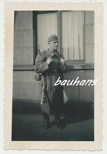 Foto deutscher Landser in voller Montur  2.WK (d543)