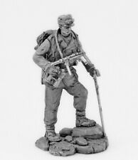 Tin toy soldier German officer gebirgsjager, 1942-45. Metall sculpture 54 mm
