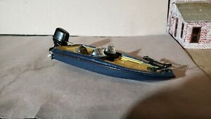 X Concepts 1:43 diecast Ranger Bass Boat resprayed and detailed