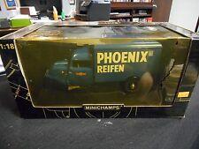 MiniChamps - Phoenix Reifen Tempo 3-Wheeler Box Van (1:18)