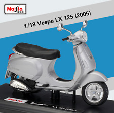 Maisto 1:18 Vespa  LX125 2005 Diecast Motorcycle Scooter Model Toy New