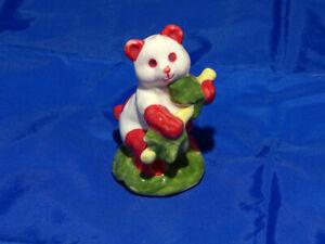 HAND MADE/DECORATED RED & WHITE PANDA BEAR PIE FUNNEL PIE BIRD VENT