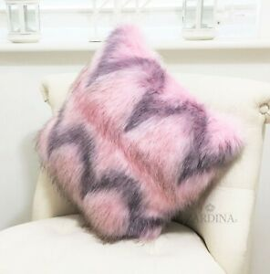 Zardina - Luxury Faux Fur Fluffy Scatter Cushion (Pink Teddy)